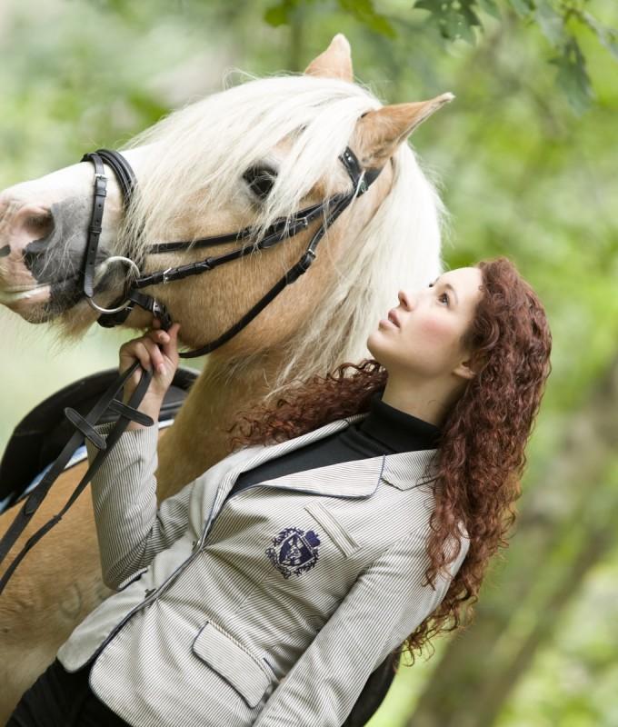 Manon with Amon