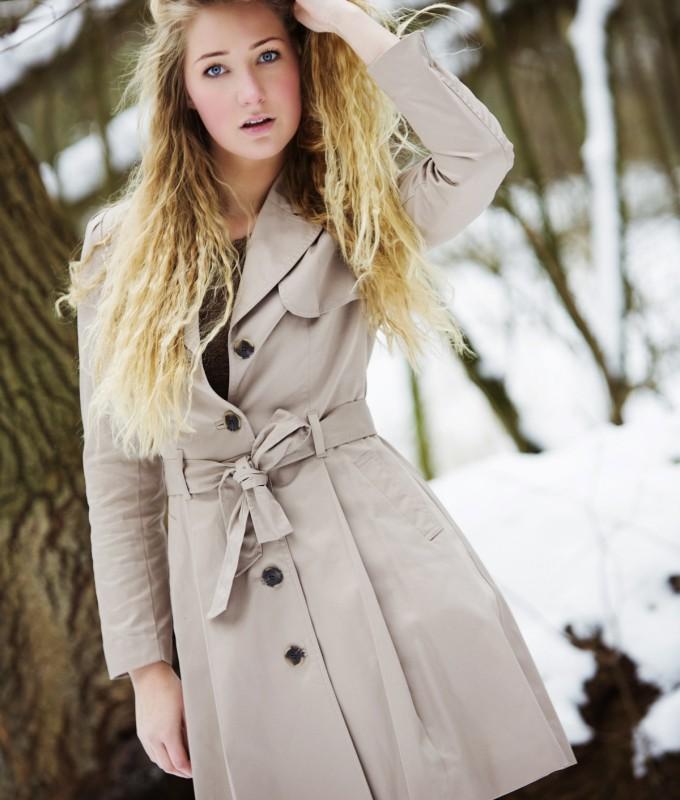 Ursula snowshoot