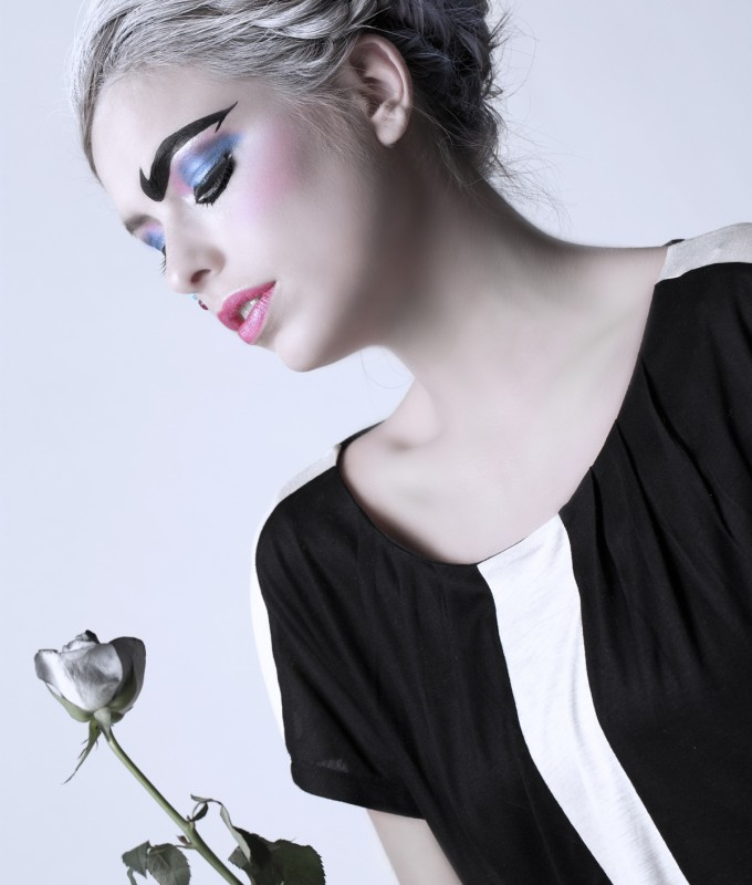 Thema Pierrot with Anne